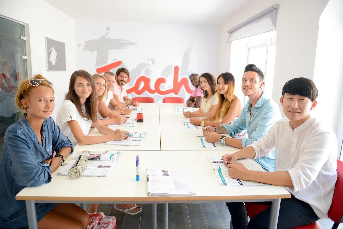 Урок английского, школа IELS