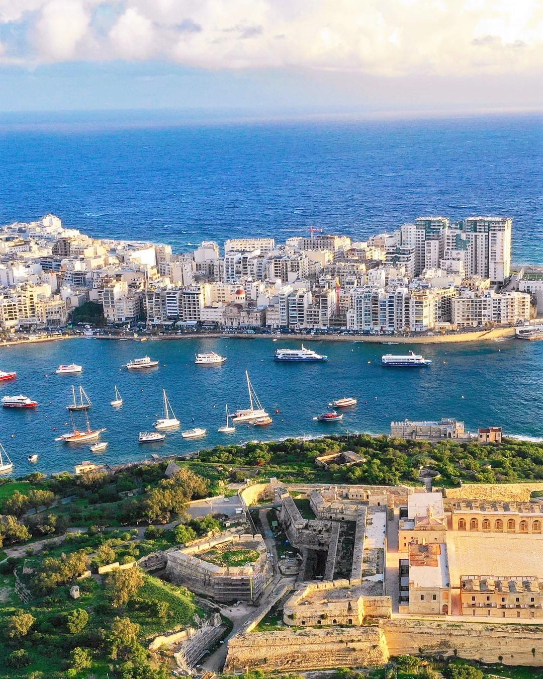 Valeta e Sliema vistas do céu (Ilha de Malta)