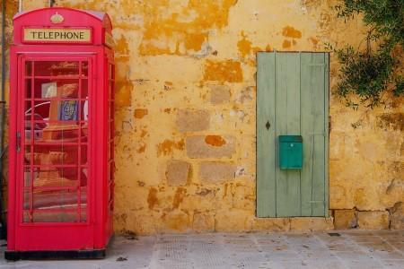 Английская телефонная будка на Мальте