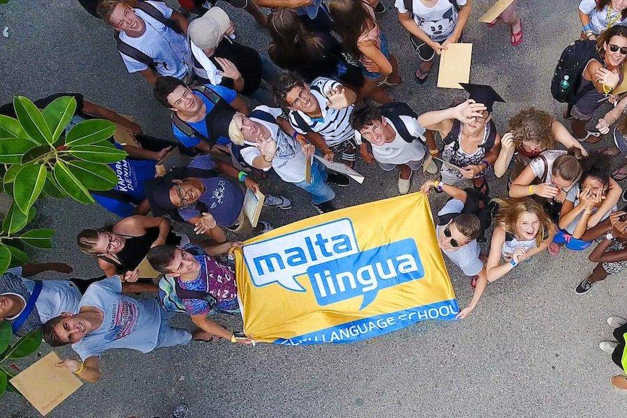Флаг школы Maltalingua