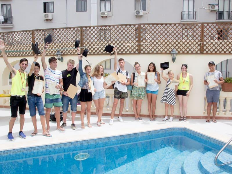 Cerimonia di laurea del campo estivo della scuola di lingua di Malta