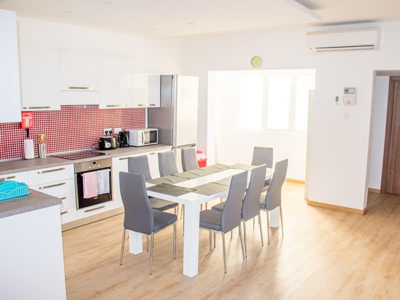 Cucina di un appartamento condiviso a Maltalingua
