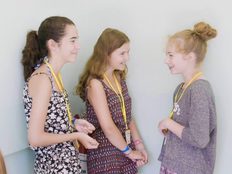 3 giovani studenti del programma Young Learners di Maltalingua